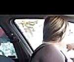 belle femme exhib voiture felation gode  montre poitrine vibreur automatique