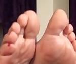 Лесбиянки поклонение ноги 2