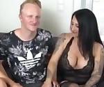 Zwei perverse Dicktitten von Typen gut gefickt