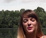 Superbe jeune et jolie brunette francaise baisee pres du lac