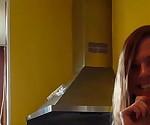 Немецкий подросток девушки жесткие киска получает выебанная в кухня