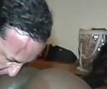 Сперма белая на черной коже! Как брызгали кубинской