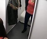 Подросток грудастая девушка поймали на скрытой камеры