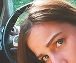 Красотка дает лучшую голову незнакомцу в автомобиль и глотать сперму - Скай Рози