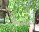 Kylie_NG мигает ее бритая Киска в Центральном парке