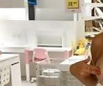 Baise Publique Risquée à IKEA - On se fait attraper !