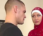 Парень наказывает свою Тарди мусульманской девушкой