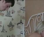 Потрясающий оргазмические подросток на реальном домашнее