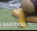 Пышная Азиатская шлюха стриптиз Соло играть до сквиртинга желтый кружева каблуки