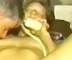 Волосатая любительские шлюха выебанная в то время как она по телефону