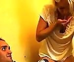 mamma e suo fidanzato insegna insegna la figlia a scopare